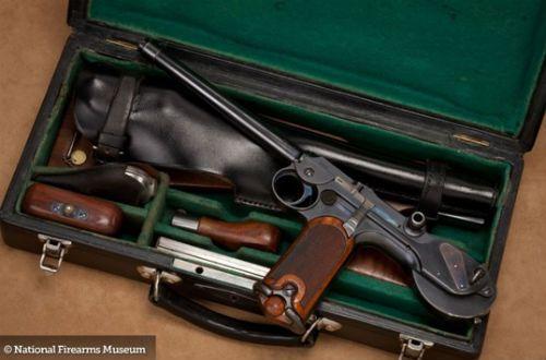 Luger 10 Pistola pertencente à coleção da NRA