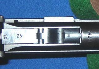 Luger 24.2 Diferença na cabeça do ferrolho e do extrator da Old Model e da New Model