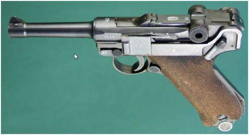 26. Pistola P.08 de fabricação Mauser código 42