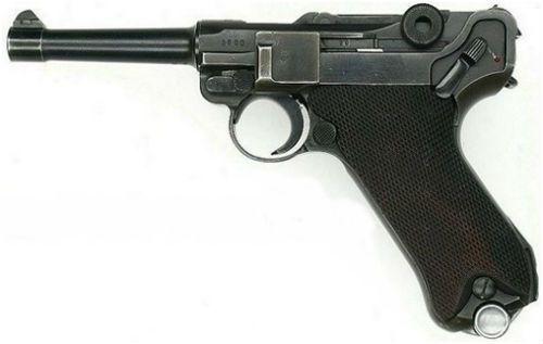 4. Pistola Luger Parabellum New Model do tipo 1908