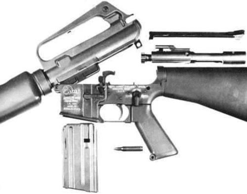 10. M16A1 aberto para limpeza